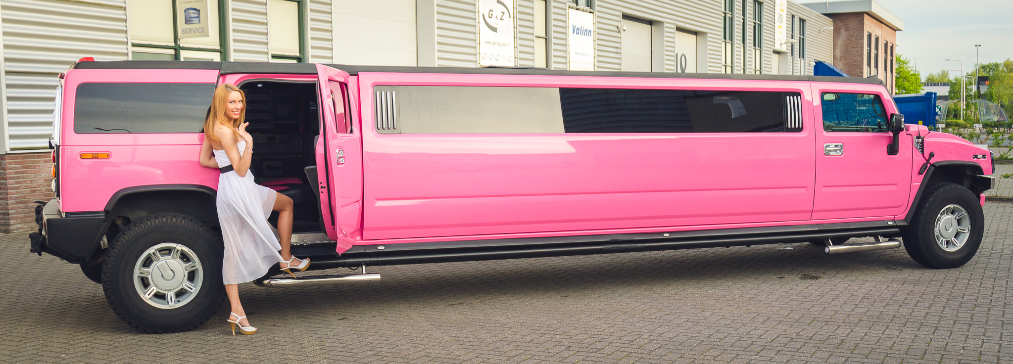 roze limousine huren Limo Verhuur Limburg.htm #20
